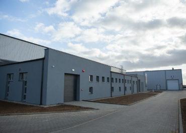 W grudniu 2019 roku zakończyliśmy budowę hali produkcyjno-magazynowej HS STEEL