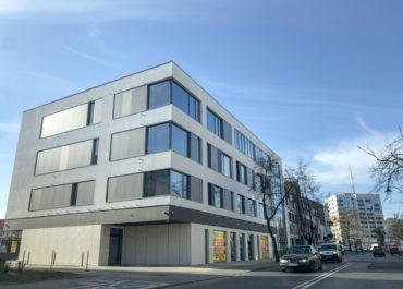 W grudniu 2019 roku zakończyliśmy prace przy budowie obiektu biurowo-usługowego we Włocławku ul. Warszawska 15